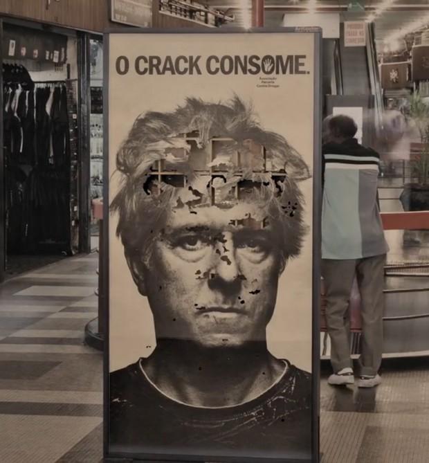 Crack-Consumes5