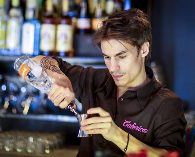 snask.com_calexicos_bartender_01